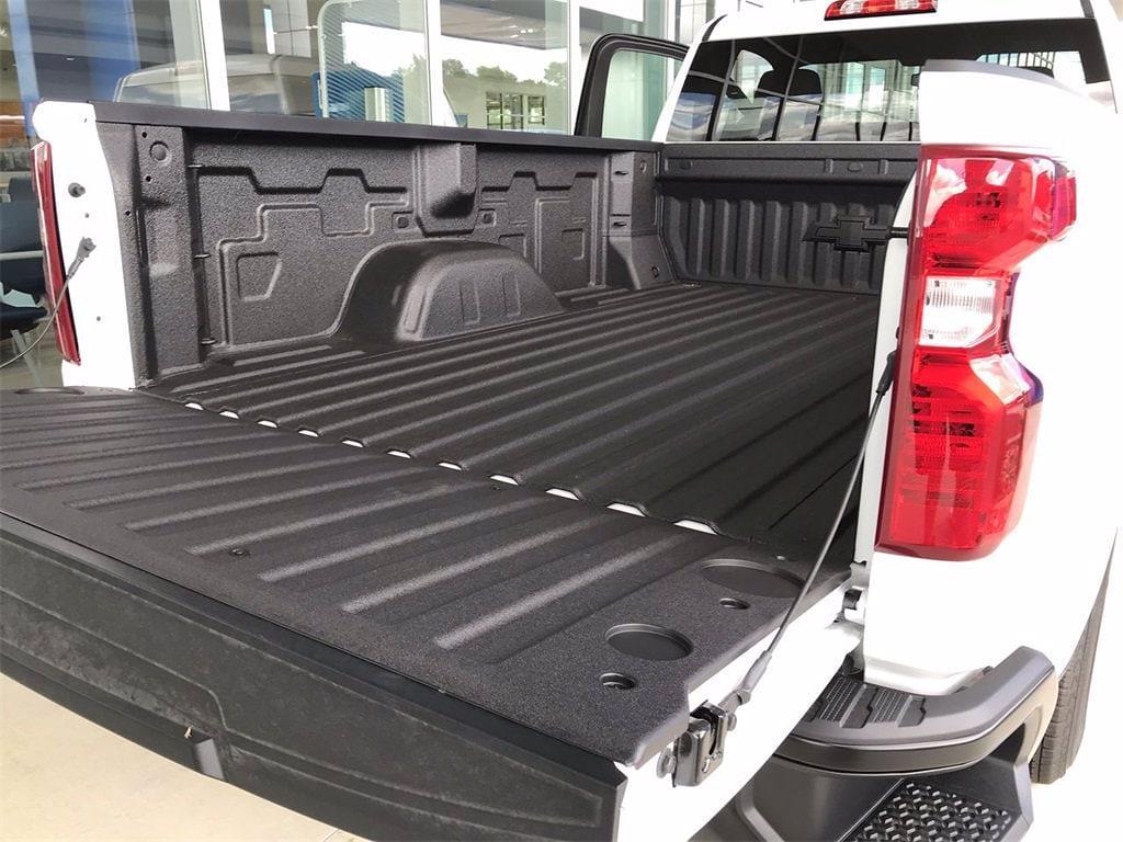 2021 Chevrolet Silverado 1500 Regular Cab 4x4, Pickup #W210637 - photo 10