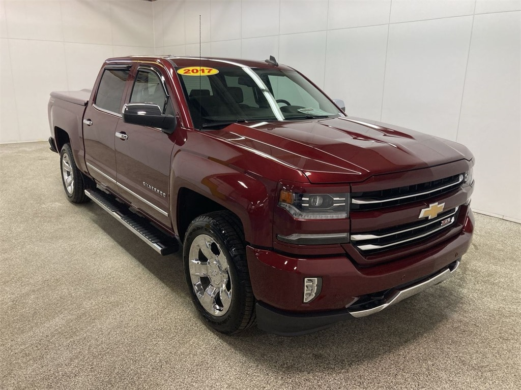 2017 Chevrolet Silverado 1500 Crew Cab 4x4, Pickup #WP4853 - photo 1