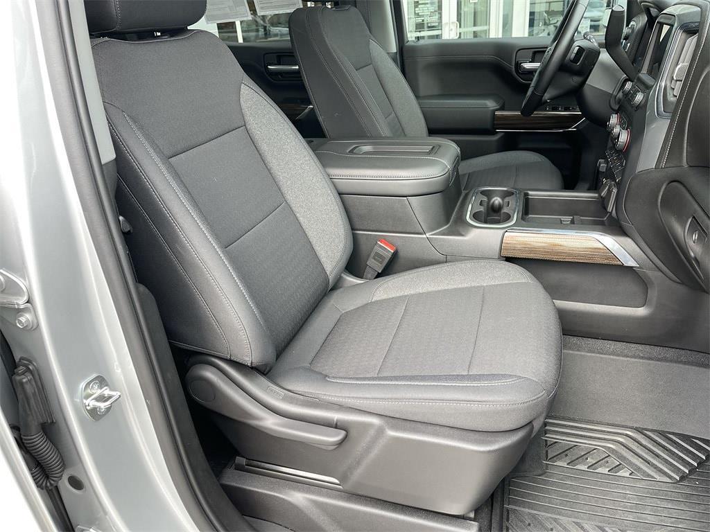 2020 Chevrolet Silverado 1500 Crew Cab 4x4, Pickup #WP4987 - photo 12