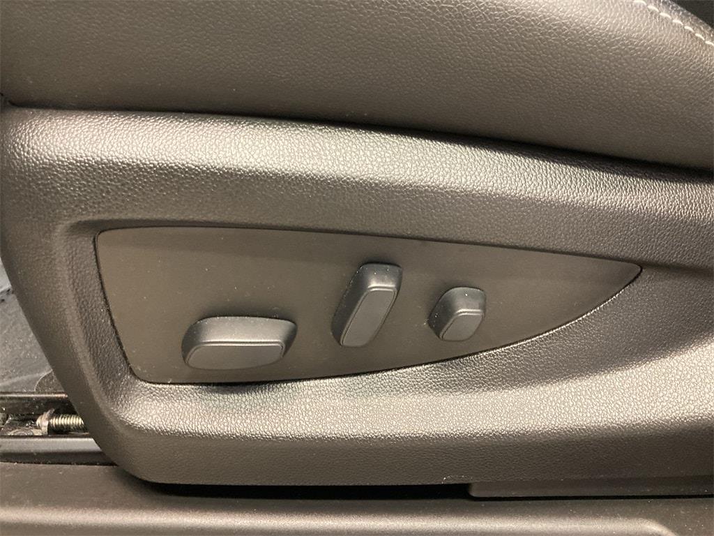 2018 Chevrolet Silverado 1500 Crew Cab 4x4, Pickup #WP4994 - photo 24