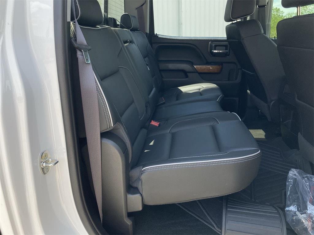 2017 Chevrolet Silverado 2500 Crew Cab 4x4, Pickup #WP5025 - photo 14