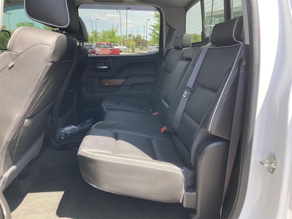 2017 Chevrolet Silverado 2500 Crew Cab 4x4, Pickup #WP5025 - photo 20