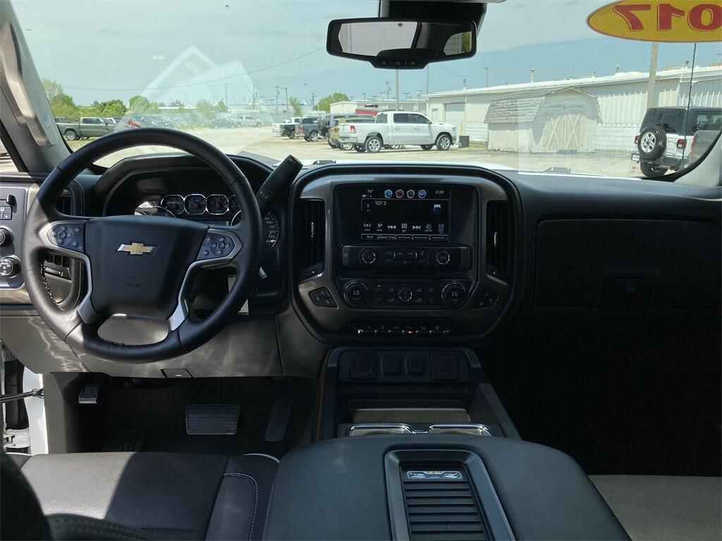 2017 Chevrolet Silverado 2500 Crew Cab 4x4, Pickup #WP5025 - photo 27
