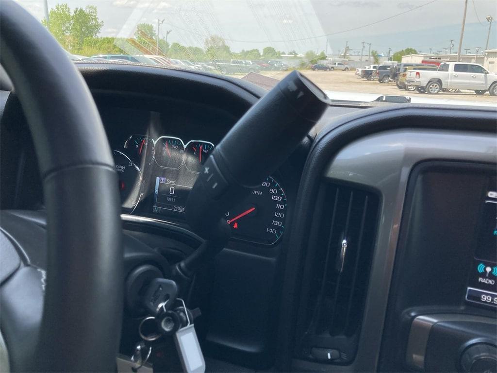 2017 Chevrolet Silverado 2500 Crew Cab 4x4, Pickup #WP5025 - photo 33