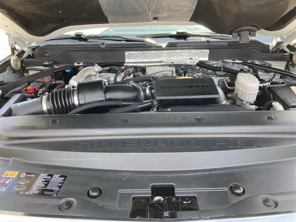 2017 Chevrolet Silverado 2500 Crew Cab 4x4, Pickup #WP5025 - photo 9