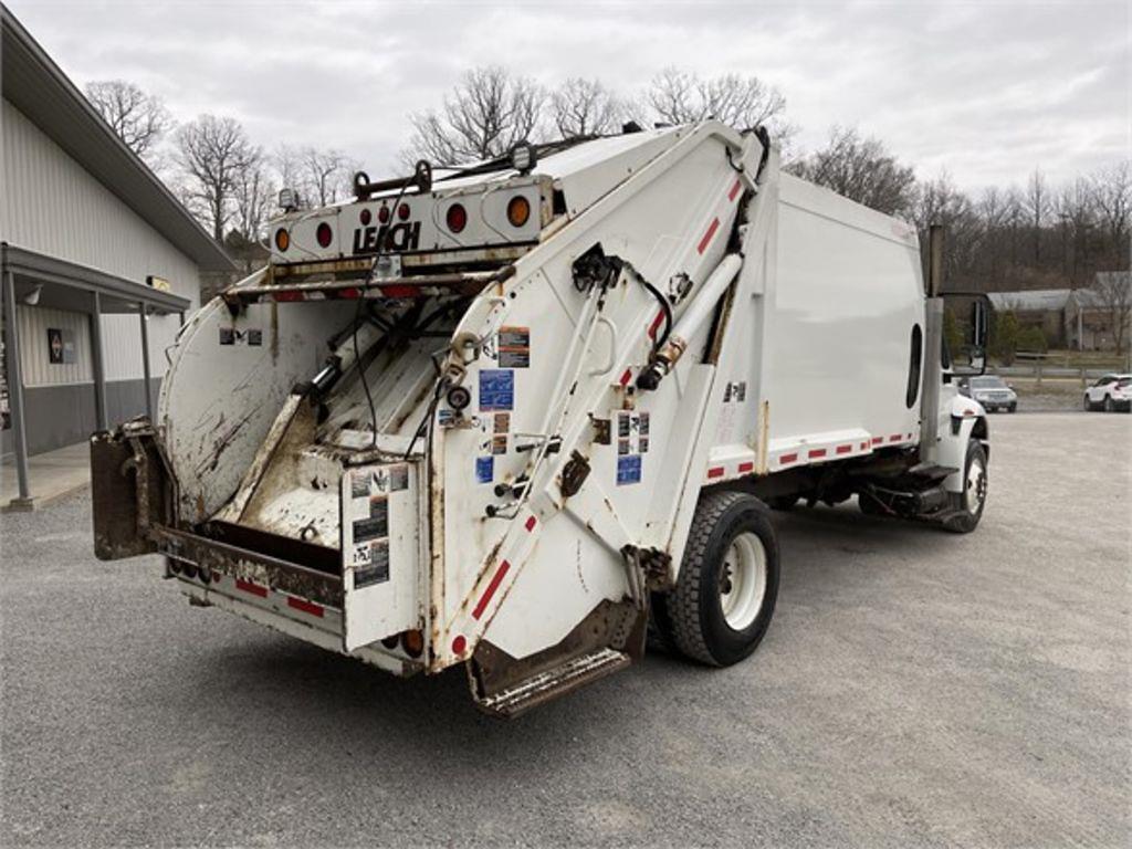 2015 International DuraStar 4400 4x2, Garbage Body #572144 - photo 1