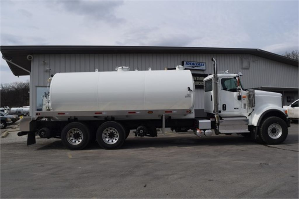 2019 International HX 6x4, J&J Truck Equipment Water Truck #PN-19075-S - photo 1