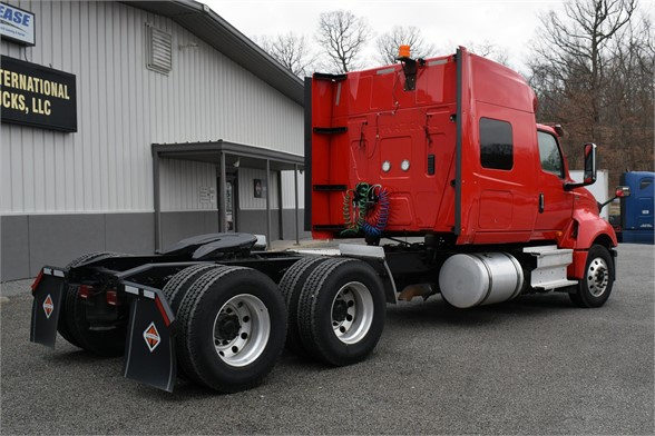 2018 International LT 6x4, Tractor #EW-3160 - photo 1
