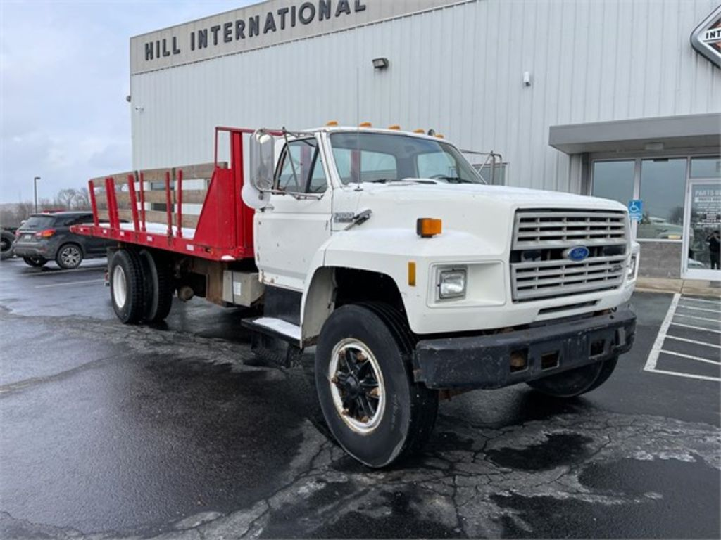 1988 Ford F-800 4x4, Platform Body #PW-404 - photo 1