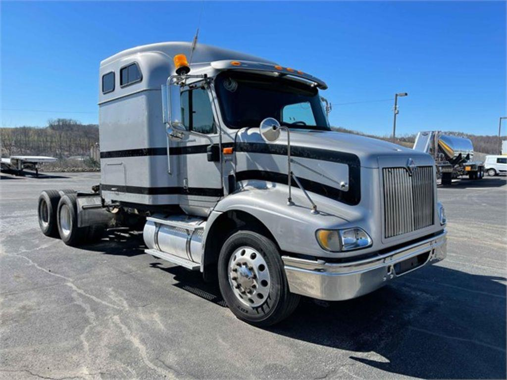 2006 International Truck 6x4, Cab Chassis #PW-418 - photo 1