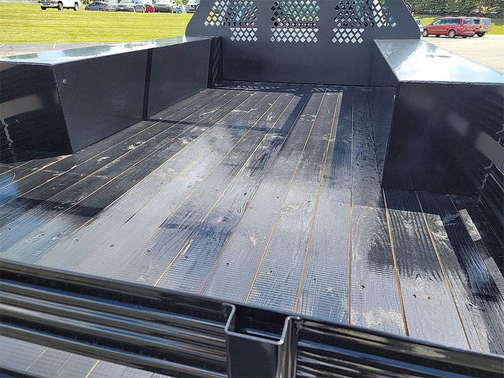 2021 Silverado 5500 Crew Cab DRW 4x2, 12' Platform Rack It Contractor Pkg #12212630 - photo 19