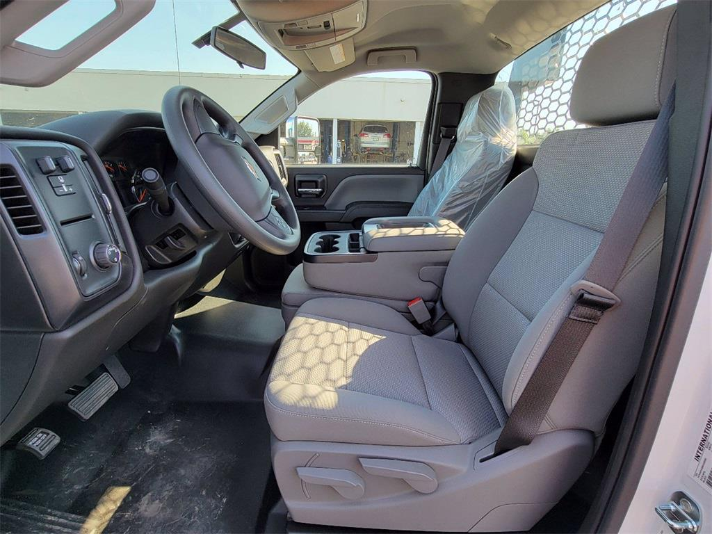 2021 Silverado 5500 Regular Cab DRW 4x2, 12' Flatbed/ Gooseneck Body #12212660 - photo 9
