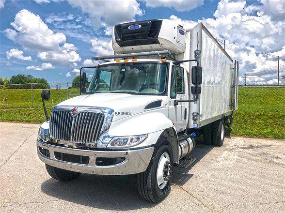 2018 International DuraStar 4300 4x2, Refrigerated Body #583993 - photo 1