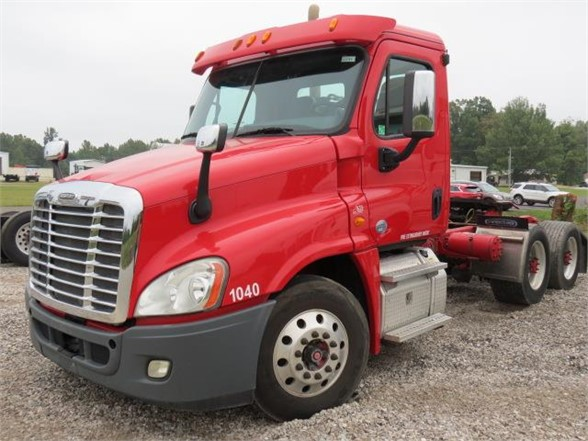 2015 Freightliner Truck 6x4, Tractor #6127ky - photo 1