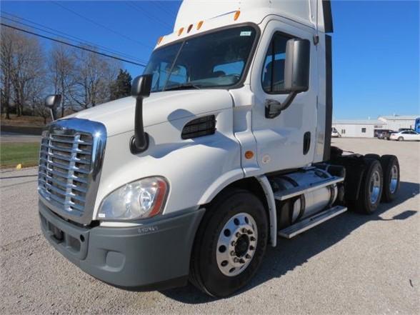 2014 Freightliner Truck 6x4, Tractor #7148IN - photo 1