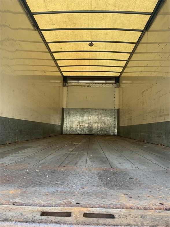 2007 International DuraStar 4400 4x2, Dry Freight #CA-123 - photo 1