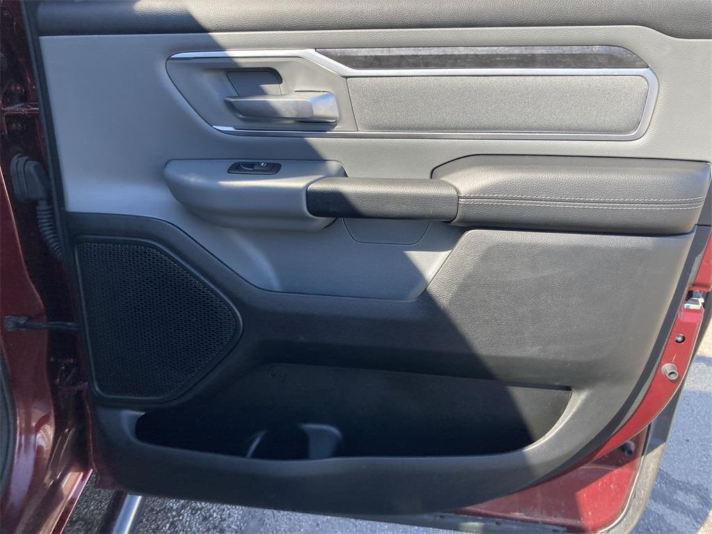 2019 Ram 1500 Crew Cab 4x4, Pickup #D210440A - photo 17