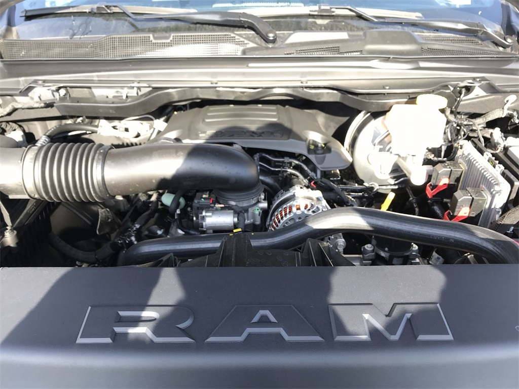2021 Ram 1500 Crew Cab 4x4, Pickup #D210486 - photo 5