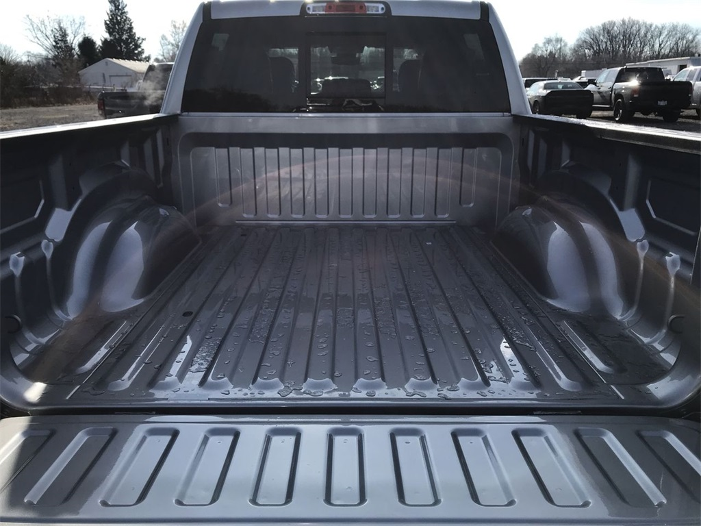 2021 Ram 1500 Crew Cab 4x4, Pickup #D210486 - photo 9