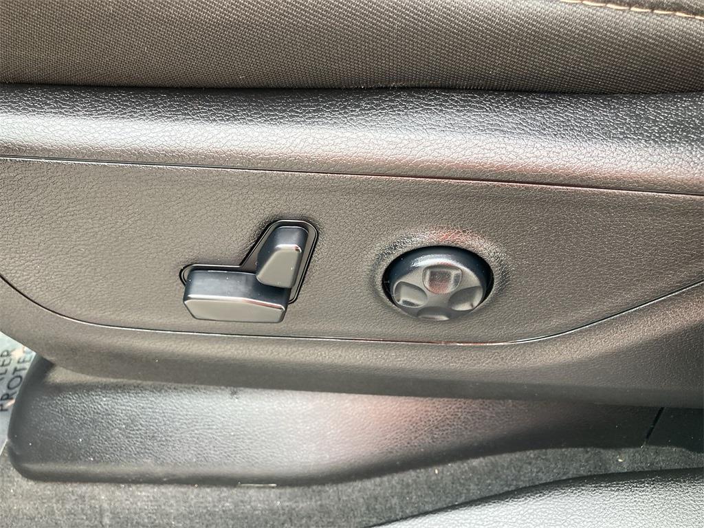 2019 Ram 1500 Crew Cab 4x4,  Pickup #D210575A - photo 22