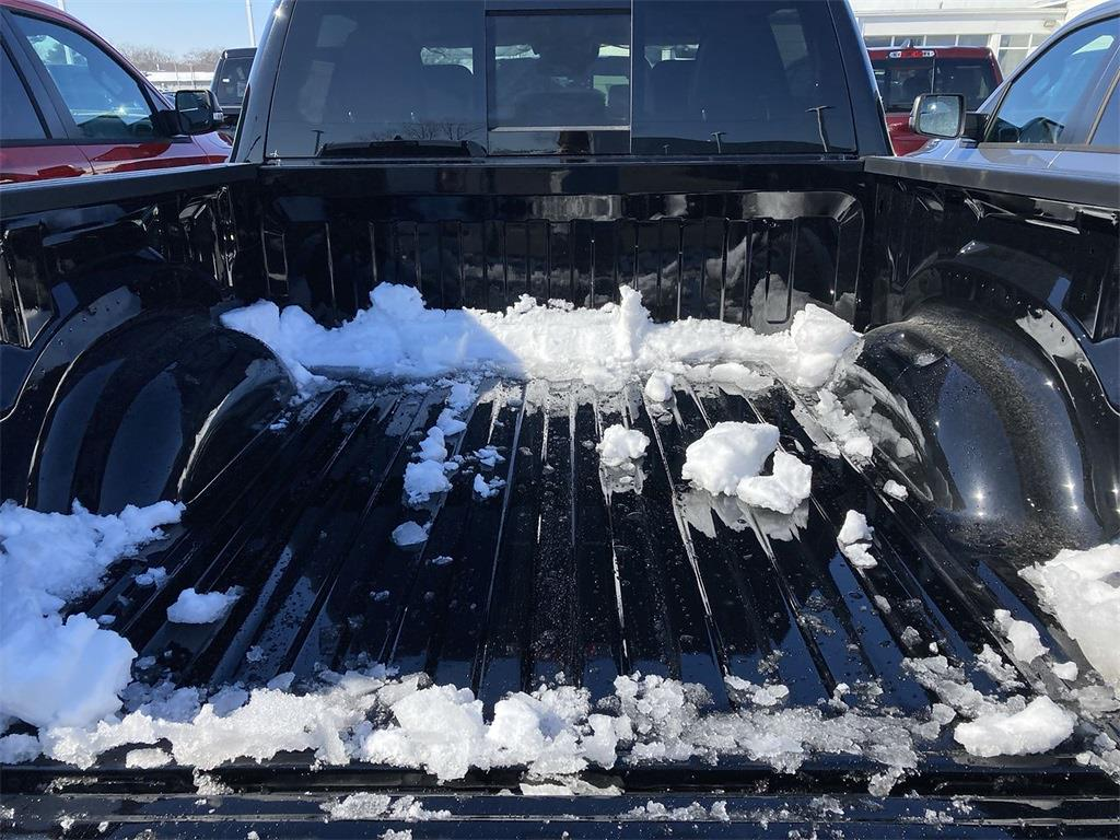 2021 Ram 1500 Crew Cab 4x4, Pickup #D210602 - photo 9