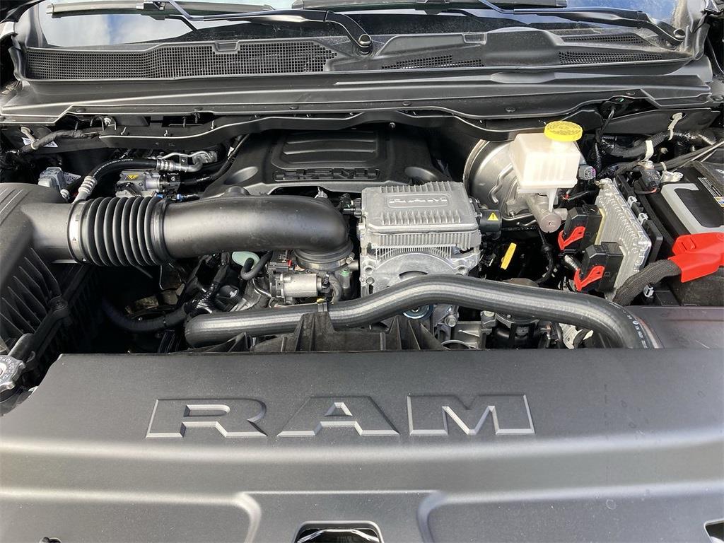 2021 Ram 1500 Crew Cab 4x4, Pickup #D210651 - photo 5