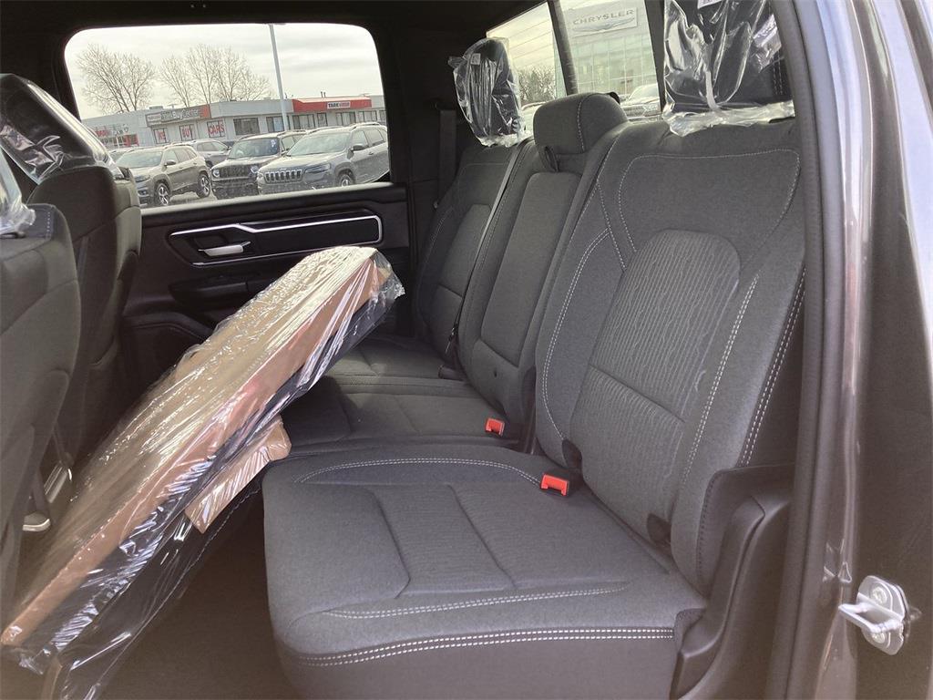 2021 Ram 1500 Crew Cab 4x4, Pickup #D210655 - photo 10