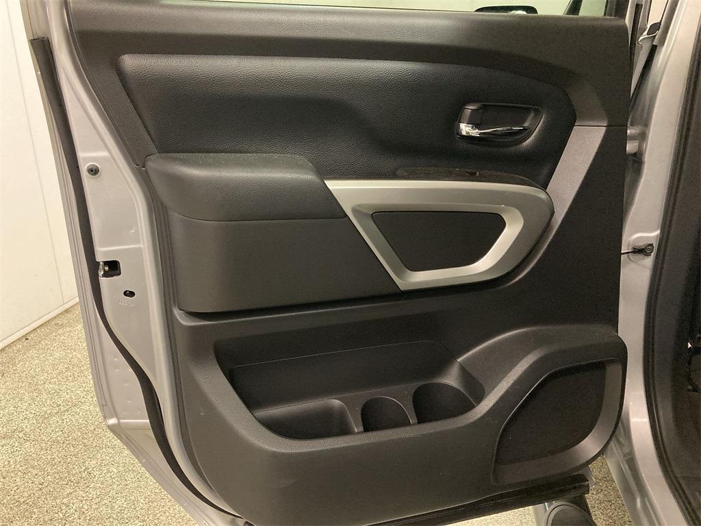 2017 Nissan Titan Crew Cab 4x4, Pickup #D210675B - photo 21