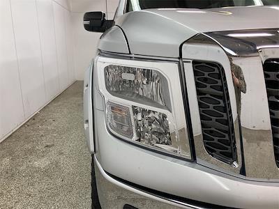 2017 Nissan Titan Crew Cab 4x4, Pickup #D210675B - photo 10