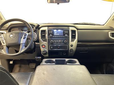 2017 Nissan Titan Crew Cab 4x4, Pickup #D210675B - photo 26
