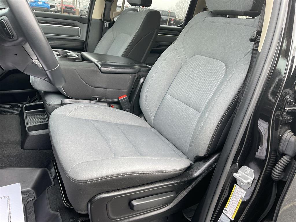 2019 Ram 1500 Crew Cab 4x4, Pickup #D210801A - photo 24