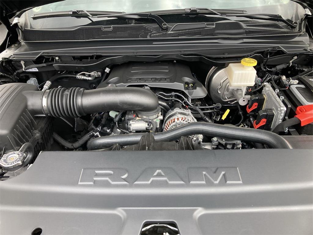 2021 Ram 1500 Crew Cab 4x4, Pickup #D210838 - photo 5