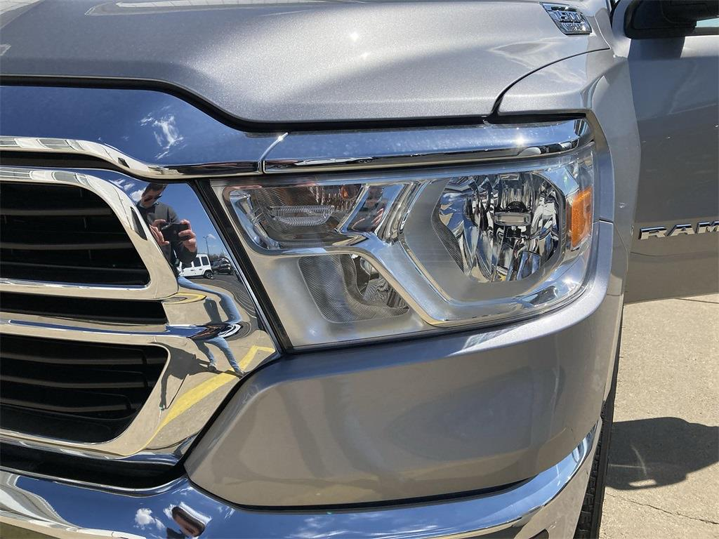 2021 Ram 1500 Crew Cab 4x4, Pickup #D210873 - photo 6