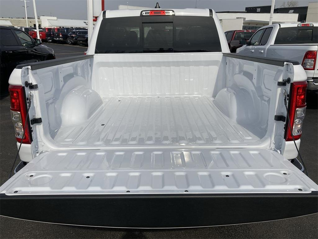 2021 Ram 1500 Crew Cab 4x4, Pickup #D210879 - photo 9