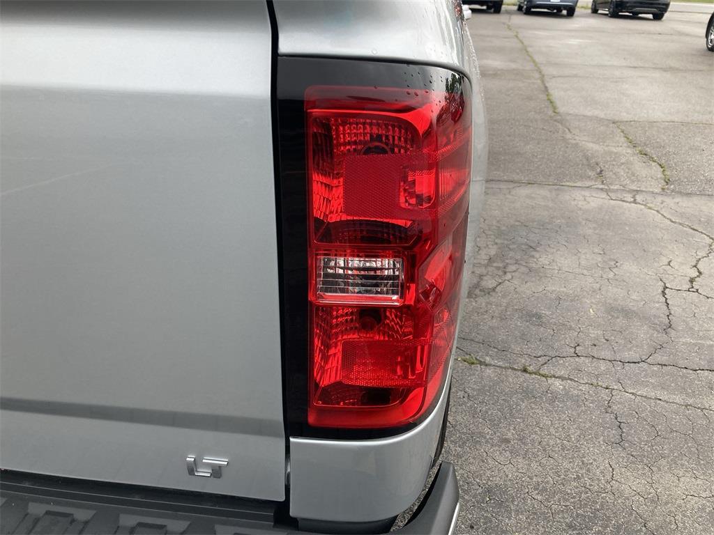 2018 Chevrolet Silverado 1500 Double Cab 4x4, Pickup #D210884A - photo 17
