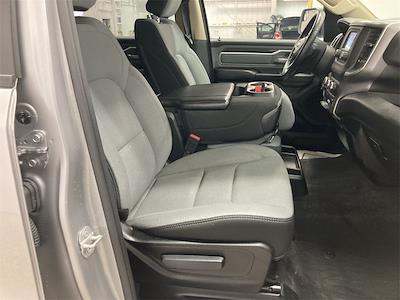 2019 Ram 1500 Crew Cab 4x4, Pickup #D210946A - photo 14