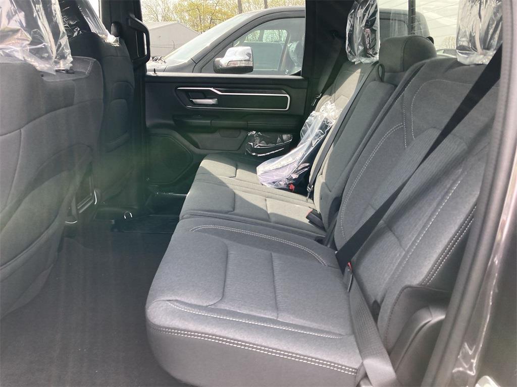 2021 Ram 1500 Crew Cab 4x4, Pickup #D210958 - photo 10