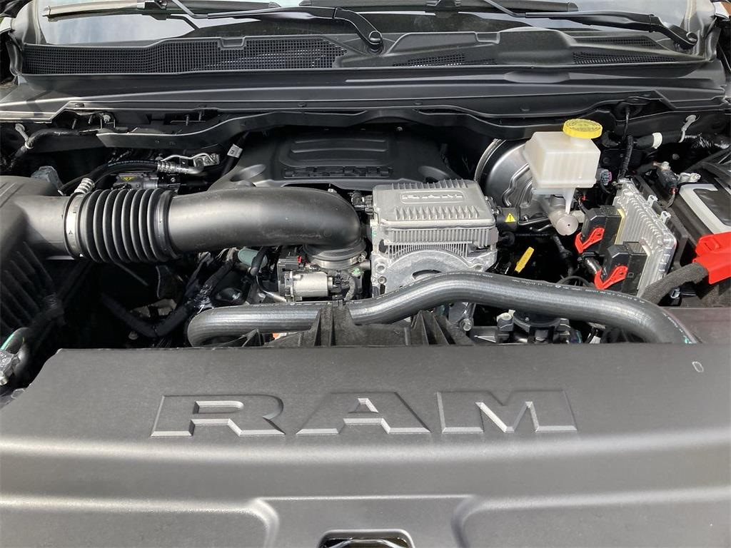 2021 Ram 1500 Crew Cab 4x4, Pickup #D210958 - photo 5