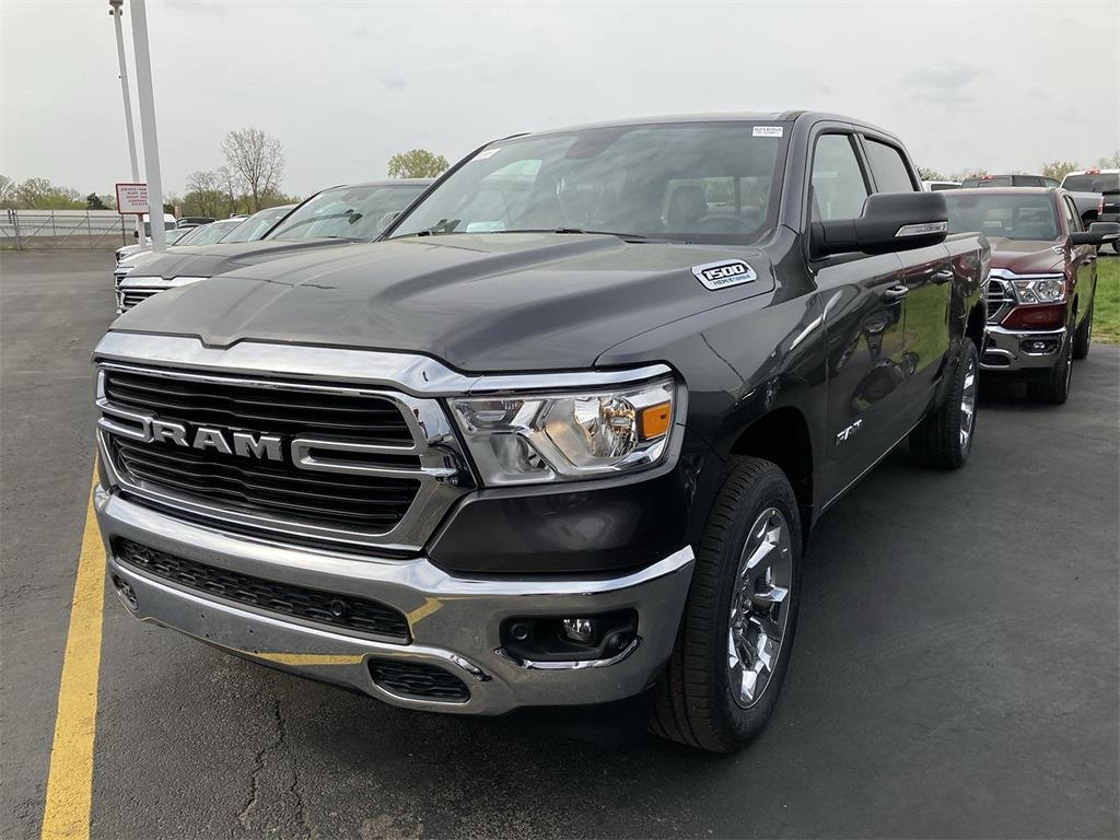 2021 Ram 1500 Crew Cab 4x4, Pickup #D210975 - photo 3