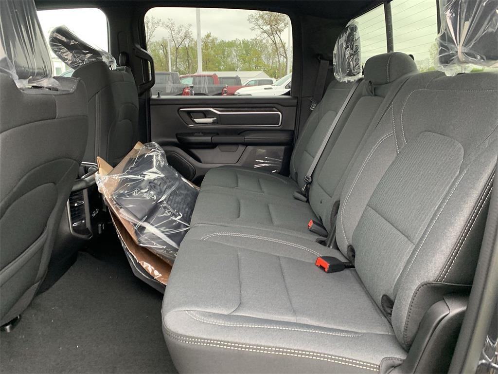 2021 Ram 1500 Crew Cab 4x4, Pickup #D210979 - photo 10