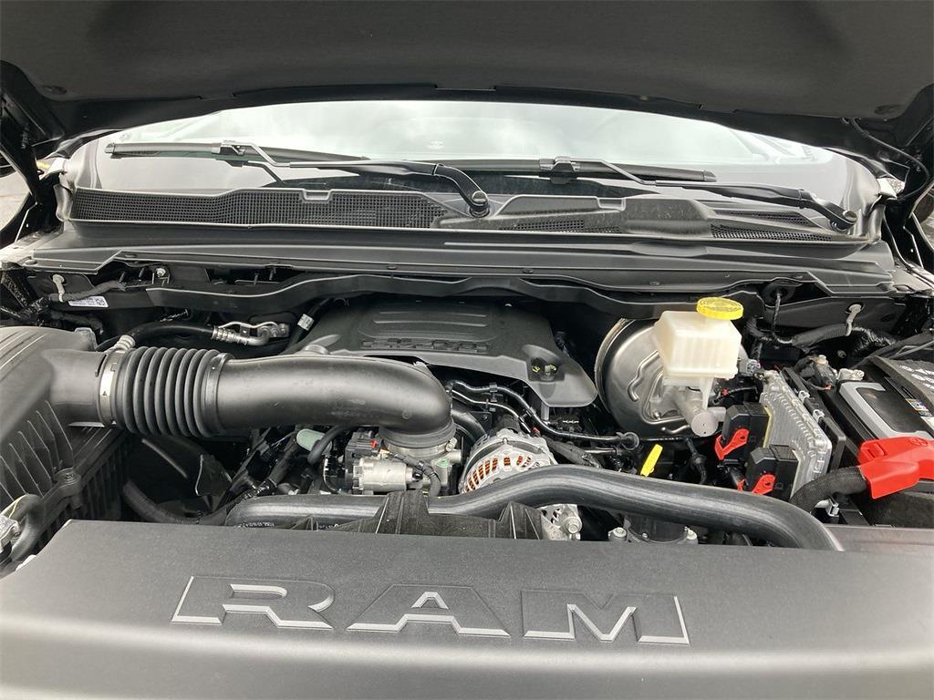 2021 Ram 1500 Crew Cab 4x4, Pickup #D210983 - photo 5