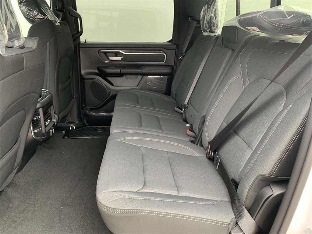 2021 Ram 1500 Crew Cab 4x4, Pickup #D210989 - photo 10