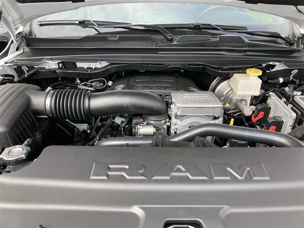 2021 Ram 1500 Crew Cab 4x4, Pickup #D211008 - photo 5
