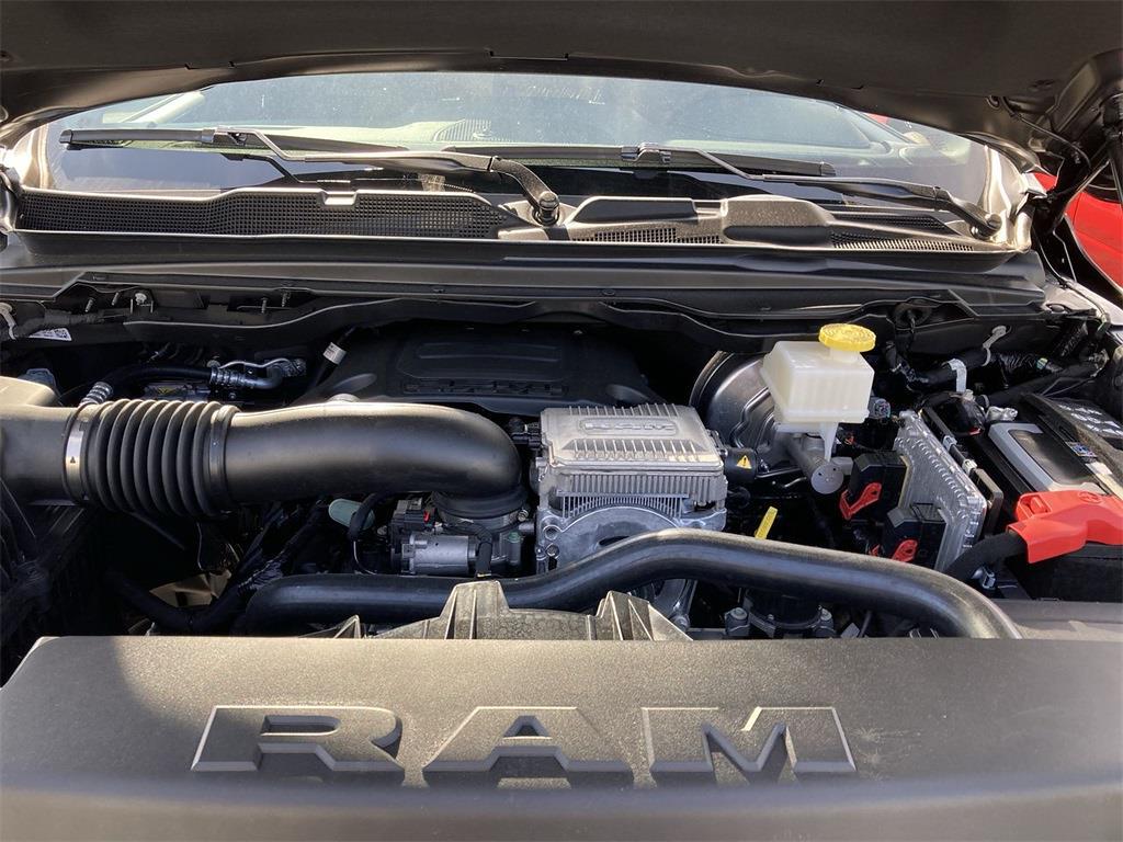 2021 Ram 1500 Crew Cab 4x4, Pickup #D211040 - photo 5