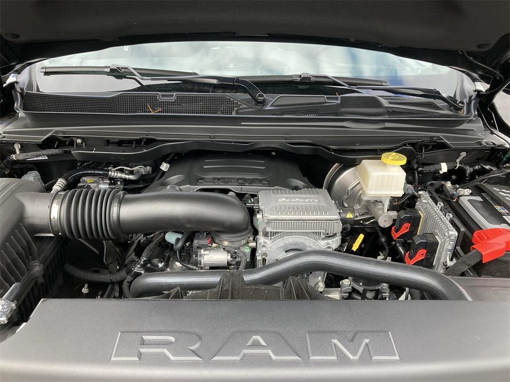 2021 Ram 1500 Crew Cab 4x4, Pickup #D211046 - photo 5