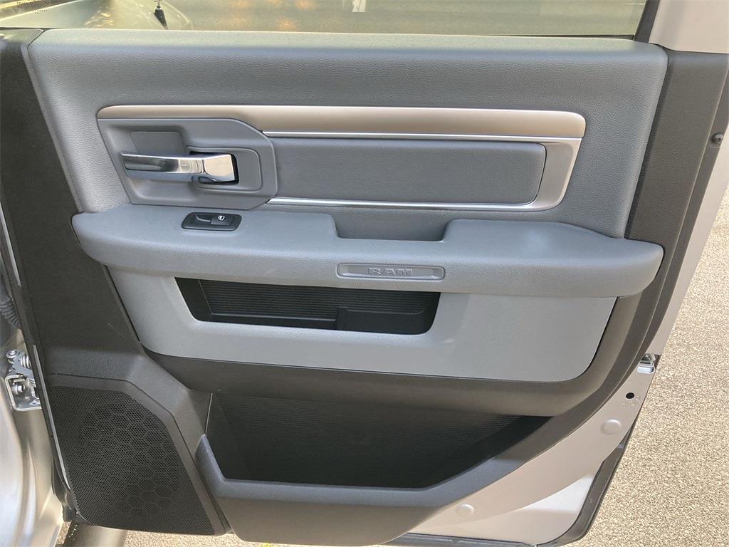 2018 Ram 1500 Crew Cab 4x4, Pickup #D211048A - photo 17
