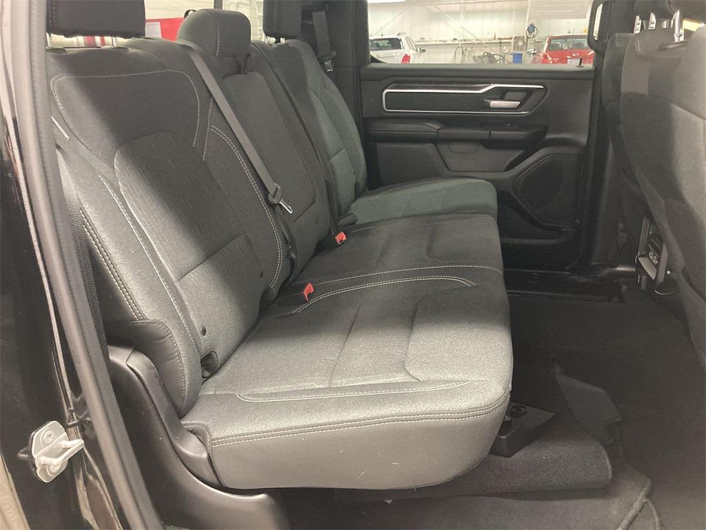 2019 Ram 1500 Crew Cab 4x4, Pickup #D211061A - photo 16