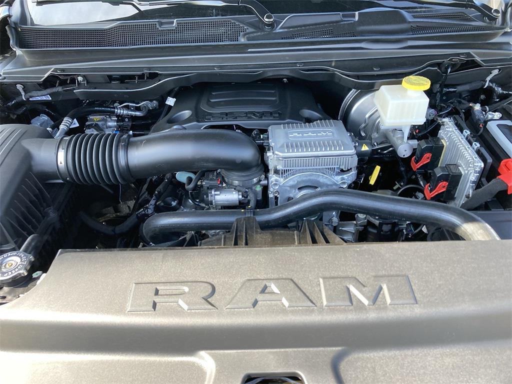 2021 Ram 1500 Crew Cab 4x4, Pickup #D211073 - photo 5