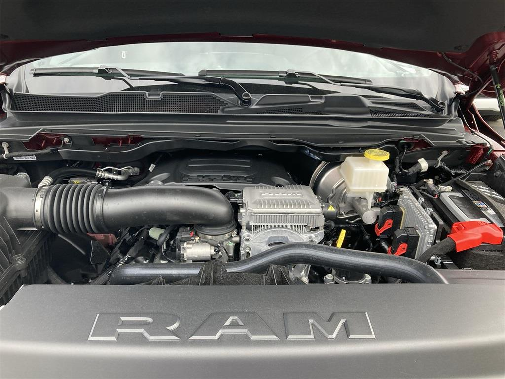 2021 Ram 1500 Crew Cab 4x4, Pickup #D211083 - photo 5
