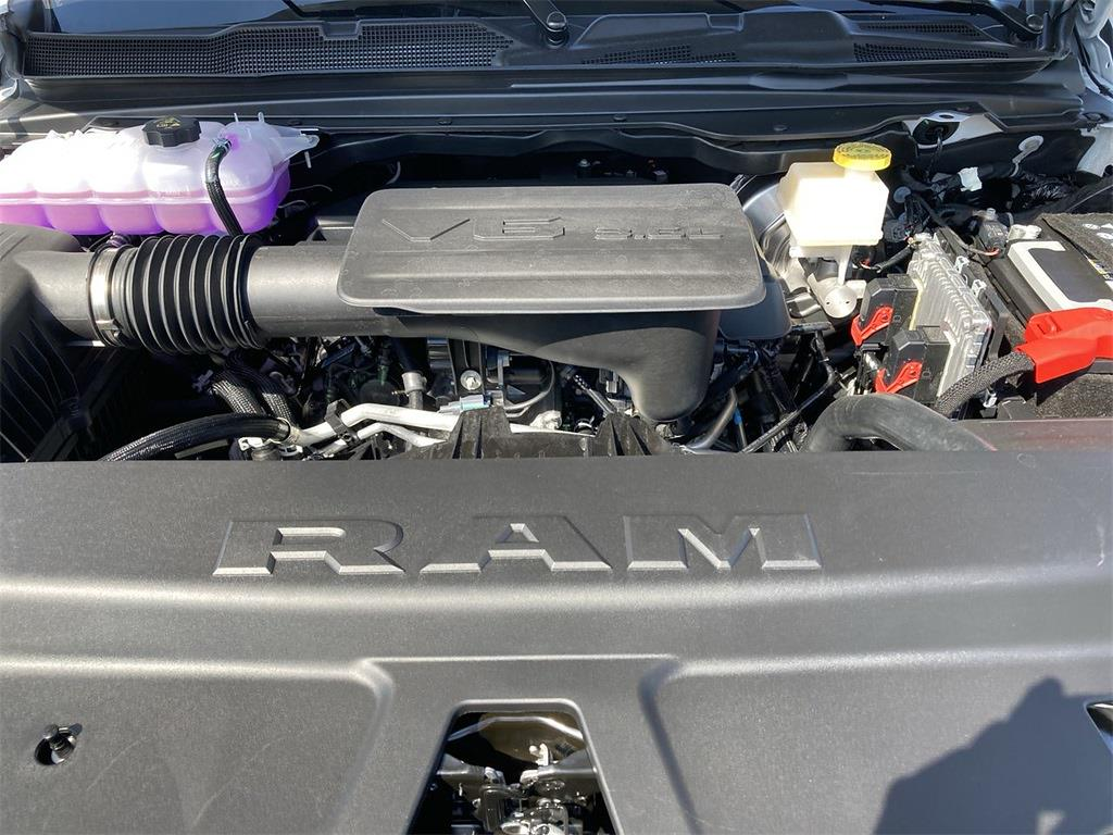 2021 Ram 1500 Crew Cab 4x4, Pickup #D211106 - photo 5